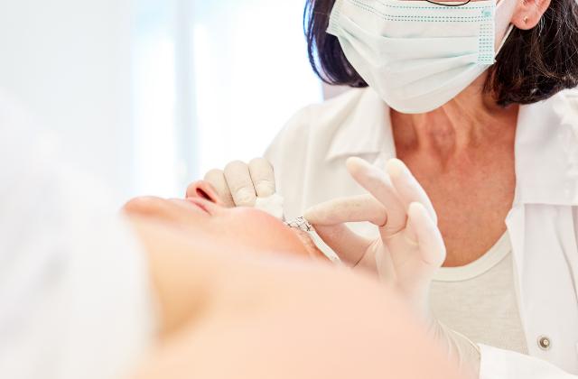 Operacja opadających powiek Derm-Estetyka